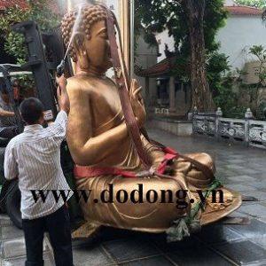 Tượng đức phật thích ca bằng đồng đỏ đúc nguyên khối công nghệ trên không đường nét đẹp thờ cúng trong đền chùa mang lại tâm linh cao