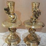 Đôi chân đèn nến bằng đồng thờ cúng để thắp nến khi ngày giỗ tết mang ý nghĩa thờ cúng lòng thành kính đến tổ tiên để nối tiếp cho con cháu về sau