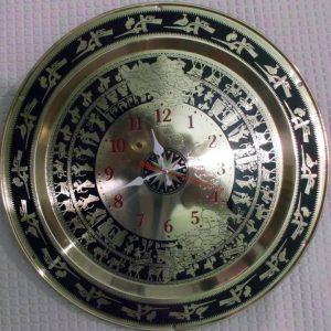 Đồng hồ mặt trống đồng khắc bản đồ Việt nam dùng trang trí phòng khách gia đình