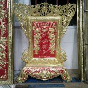 Bài vị cửu huyền thất tổ chạm chất liệu đồng vàng đường nét hoa văn sắc xảo .trong tâm linh người việt thờ cúng ông bà