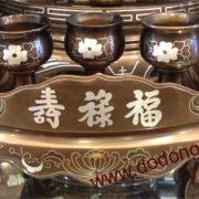 Bộ ngai thờ đồng ngũ sắc 3 chén - bộ ngai chén bằng đồng chạm khảm ngũ sắc