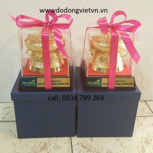 Trống đồng quà tặng mang ý nghĩa văn hóa việt nam làm quà tặng cao cấp được mạ vàng 24 k đúc từng hoa văn sắc nét đẹp quà tặng trống đồng