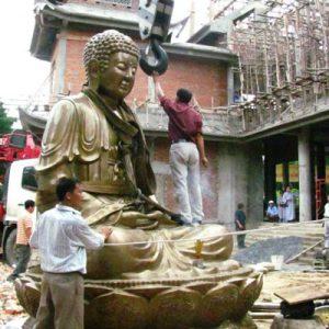 Chuyên  đúc tượng phật cỡ lớn theo yêu cầu đúc chất liệu đồng đỏ nguyên khối đúc mỹ nghệ thủ công thờ cúng trong đền chùa trang trọng