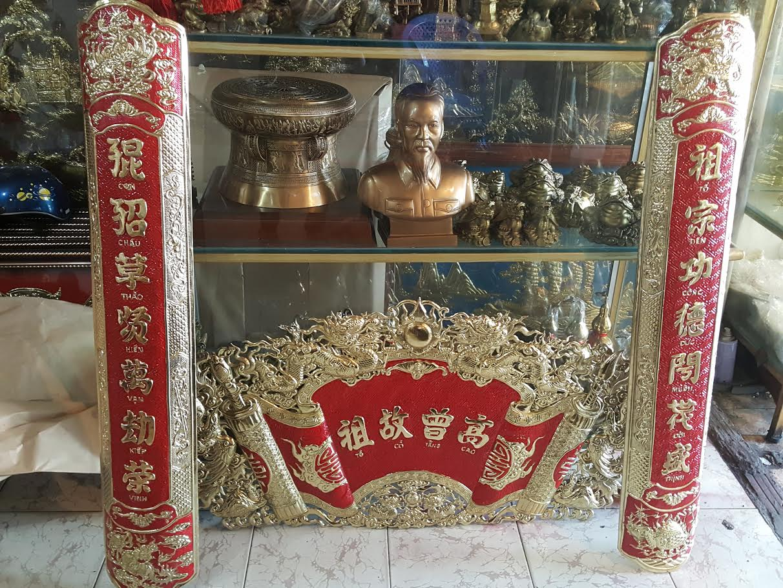Cuốn thư câu đối bằng đồng thờ cúng tâm linh mang lại lòng thành  kính đến tổ tiên ông bà
