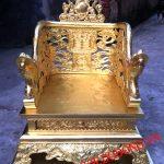 Ngai thờ bằng đồng đúc đồng vàng nguyên chất đường nét hoa văn tinh xảo thờ cúng tổ tiên mang ý nghĩa thờ cúng ngai khám thờ khám thờ bằng đồng