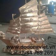 Tượng thuyền bằng đồng đúc công nghệ thủ công .mang lại phong thủy cầu tài lộc làm ăn luôn luôn thuận lợi tượng truyền bằng đồng phong thủy