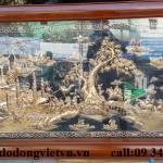 Tranh đồng vinh quy bái tổ chạm đồng mỹ nghệ thủ công đường nét hoa văn tinh xảo được mạ vàng 24k rất tinh xảo .trang trí phòng khách