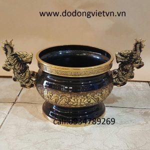 bát hương đồng dapha thờ cúng ông bà cha mẹ để thờ cúng cho con cháu về sau thờ cúng bát hương đồng thờ cúng được hun màu  nâu vàng . bát hương đồng 24cm