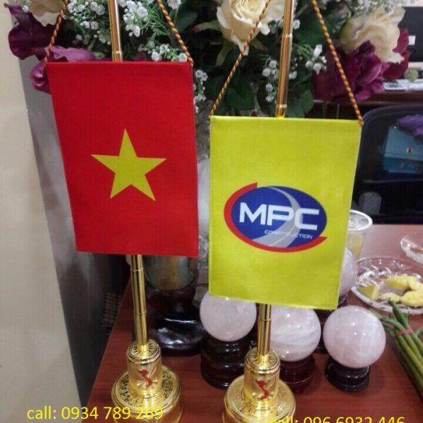 Cột cờ bằng đồng